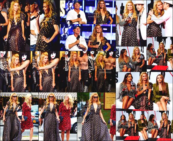 ------- 09/09/14: La merveilleuse  Paris Hilton   photographiée  assistant à l'apparition de  « Fashion Rocks  » -   New York. Tenue belle et classe, Paris est sublime, j'adore la longueur et le motif de la robe.  Gros top   pour ses cheveux bouclés  long. Je suis fan.   -------