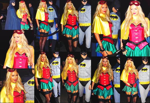------- 31/10/12: La magnifique Paris Hilton photographiée deguisé allant à une soirée pour    Halloween -   Los Angeles. J'adore beaucoup se déguisement,  notre princesse Paris est en Robyn, cela lui va vraiment se genre de tenue vraiment sexy. Top/Flop?  -------
