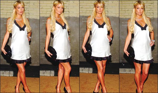 ------- 26/04/07:  La belle Paris  Hilton photographiée  assistant à l'événement Sugar dans la soirée  tard - à  Los Angeles.  Petit flop pour cette tenue on dirait une nuisette. Paris est quand meme superbe. J'adore beaucoup ses longues jambes bien dessiné.  -------