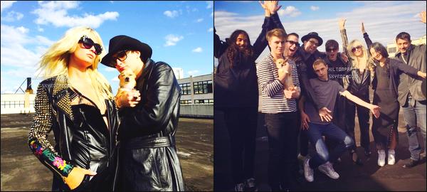 ______________ __ ● ●___ PHOTOS SUR LES RESEAUX SOCIAUX -____ ●●●●●●●●●●●●●●●●    AVRIL 2015 -  Miss Paris était sur le tournage pour une interview + shooting en plein air sur un toit dans New York. Top pour ses cheveux.  ______________