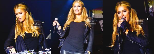____________________  Découvrez des quelques photos de ParisHilton en compagnie de fans.  En Juin 2015, Paris à mixé lors du festival Summer Fest 2015. Et donc après, elle a prit du temps pour posé avec des fans. Trop adorable. ____________________