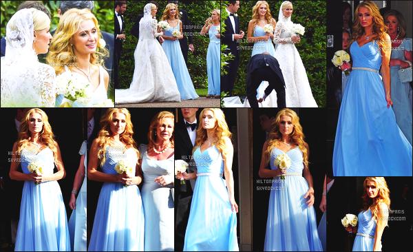 --------  10/07/15 :  Princesse  Paris Hilton  photographié allant au mariage de sa petite s½ur  Nicky - à Londres.   Paris Hilton est bien classe dans cette longue robe de princesse. Tellement glamour notre princesse adorée. Gros top pour la coiffure.  --------
