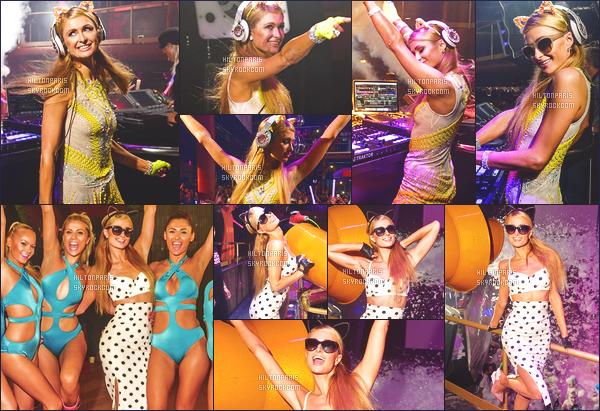 --------  14/08/15 :  Mlle Paris entrain de faire une prestation dans la boite de nuit « Foam & Diamonds » - Ibiza.  J'adore trop la tenue que porte la princesse Paris, c'est trés simple et au top, j'aime beaucoup cette couleur jaune qui va bien à Paris Hilton.   --------