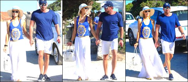 ------- 27/08/15: Sulime Paris Hilton  photographiée   photographiée en balade dans la journée avec son copain - à Ibiza.   Paris Hilton est trop mignonne dans cesse tenue tres souple. Je lui met un gros top pour cette tenue. Elle est avec son petit ami Thomas.     -------