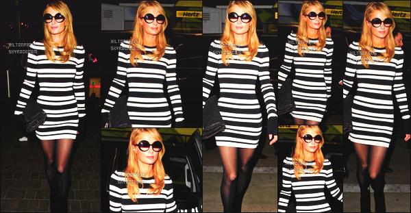 --------  05/02/16 :  Notre princesse Paris Hilton photographié dans la soirée à l'aéroport de « LAX » à Los Angeles.  Paris est retourné pret de son petit ami en Suisse - J'aime trop la tenue, je trouve que les lunettes lui vont tres bien. Gros top pour la tenue.  --------