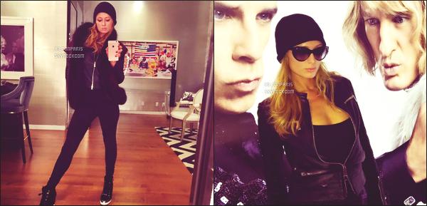 ---------  Découvrez les photos de Paris Hilton sur les réseaux sociauxlors de son séjour chez elle à NY.  Vous pouvez la suivre en directe sur son Snapchat ~ RealParisHilton.  Elle est belle Paris même dans un look sombre et simple. Gros top.  ---------