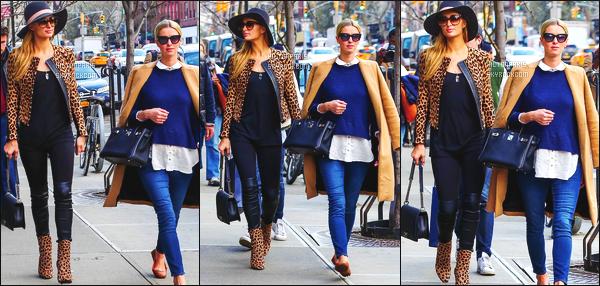 ------- 11/04/16: La jolie  Paris Hilton photographiée en balade avec sa petite soeur Nicky dans la journée -  à  New York. Flop pour cette tenue, je n'aime pas trop la tunique, les motifs et cette couleur assez trop voyante. J'adore ses cheveux et son chapeau.      -------