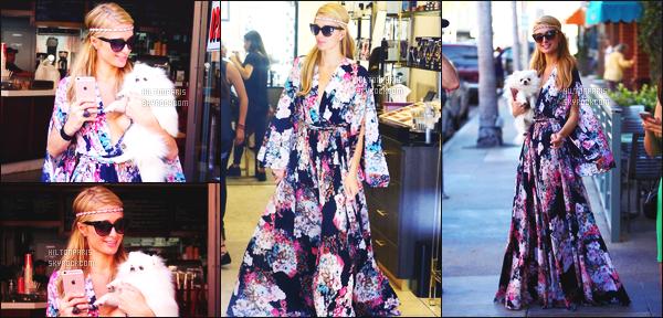 ------- 21/04/16:  Notre belle Paris  Hilton photographiée  entrain de faire du shopping dans la journée -   à Los Angeles. Je sature deja c'est la periode de Coachella je tolere mais pas en sortie. Je deteste la robe rideau qui ne vas pas du tout à Paris. Gros flop.  -------