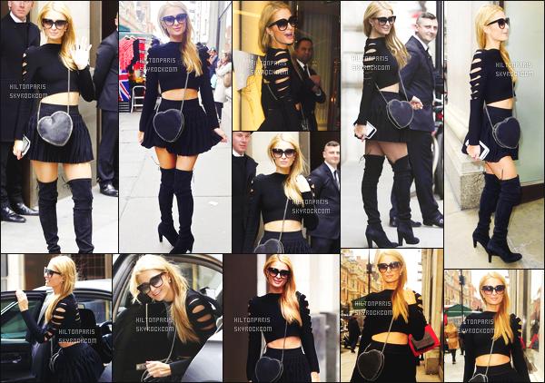 ------- 28/04/16: Notre jolie Paris Hilton photographiée  dans la journée entrain de faire du shopping  seule - à  Londres.  Alerte à la bombe Paris est super sexy comme ca, cette tenue lui va tellement bien elle me rend heureuse la je suis fan de ses cuissarde.   -------