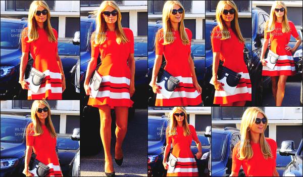 ------- 12/05/16:  Notre belle Paris  Hilton photographiée  entrain de faire du shopping dans la journée -   à Los Angeles. Gros top pour cette sublime robe qui lui va tellement bien, j'adore beaucoup la couleur que porte rarement Paris. Elle est vraiment parfaite.  -------