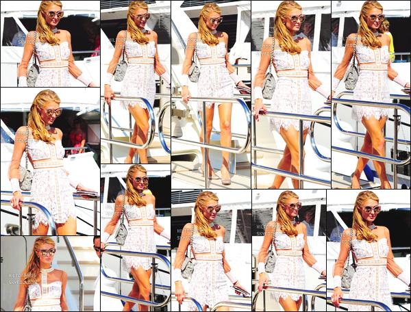 ------- 17/05/16: Notre jolie  Paris Hilton photographiée  tôt dans la matinée quittant le yach privé d'une amie - Cannes. Gros top pour cette tenue, elle est vraiment belle mlle Paris, j'aime beaucoup ses talons ( Jimmy Choo ), son sac   et la  coiffure bouclée.   -------