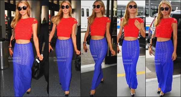 ------- 31/05/16: La magnifique  Paris Hilton photographiée arrivant à l'aéroport de LAX  dans la  journée  -  Los Angeles. Paris s'envole en direction de New York. J'aime beaucoup la tenue, les couleurs lui vont tres bien, flop pour ses ballerines que je deteste.       -------