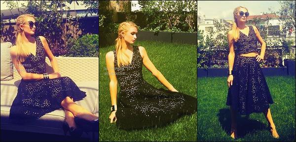 """--------------------------------------  """"""""RESEAUX SOCIAUX"""""""" Découvrez les dernières photos de mlle Paris toujours  actif sur Instagram ou Snapchat. Juin 2016 - Paris Hilton prenant la pose dans la journée dans le jardin de son hôtel. Petit top pour cette robe, je suis fan mais sans plus. --------------------------------------"""