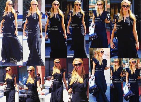 ------- 27/06/16:  Notre belle Paris  Hilton photographiée  entrain de faire du shopping dans la journée -   à Beverly Hills. J'apprecie bien la longue robe noire, elle est toute belle et simple, sans motifs horrible ou couleur trop voyant. Je lui met un top à Paris. -------