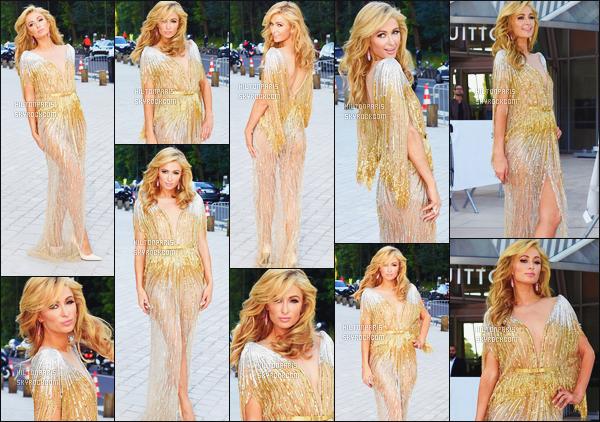 ------- 06/07/16: Jolie  Paris Hilton  photographiée   assistant à l'événement de  Louis Vuitton Art dans la journée à Paris. Alors la, je trouve pas les mots pour définir sa beautée. Elle est tellement belle, j'adore tellement cette coiffure et la robe, gros top pour Paris   -------