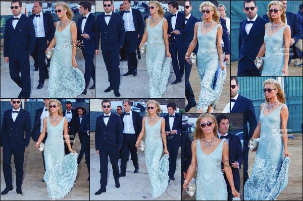 ------- 08/07/16: Princesse  Paris Hilton  photographiée   arrivant au mariage de son amie Ana Beatriz Barros - à Mykonos. Princesse Paris est tellement belle dans la robe longue bleue, j'adore aussi ses long cheveux et son collier, elle est tellement parfaite.   -------