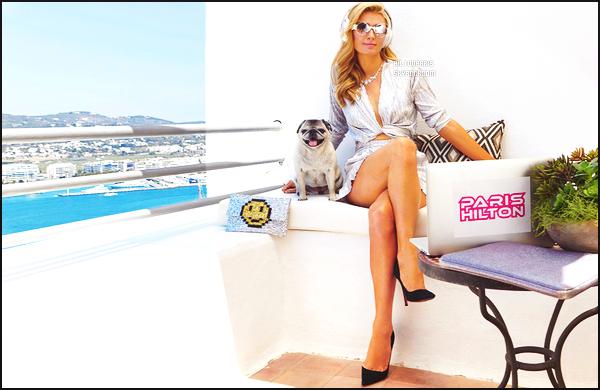 --------   •  Découvrez mlle Paris Hilton  en  interview  pour le magazine « VOGUE  » - Aout 2016.  C'est pour le Vogue en Espagne, j'aime beaucoup toutes les photos, la  princesse Paris est toute simple, j'aime beaucoup se long tee-shirt.  --------