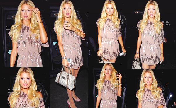 ------- 20/11/11:  Notre sublime Paris Hilton photographiée arrivant à la boite de nuit « The Gladstone » -    Los Angeles.   J'adore tellement la tenue, la robe courte, dorée lui va trop bien, je suis tellement fan, elle est vraiment radieuse. Je lui met un gros top. -------