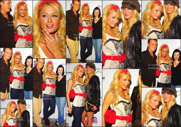------- 05/09/06: La belle Paris Hilton photographiée à un événement pour les 5 ans de « Suicide Girls » -   Los Angeles. Petit flop pour la tenue, je trouve que c'est trop simple pour une grande soirée,   j'aime bien son serre tête dans les cheveux. Top/Flop?   -------