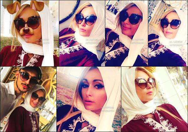 """--------------------------------------  """"""""RESEAUX SOCIAUX"""""""" Découvrez les dernières photos de mlle Paris toujours  actif sur Instagram ou Snapchat.  Novembre 2016 -  Merveilleuse Paris été accompagnée d'une amie Daniela Lopez Osorio visitant une mosquée à Dubai. Elle est   belle. --------------------------------------"""