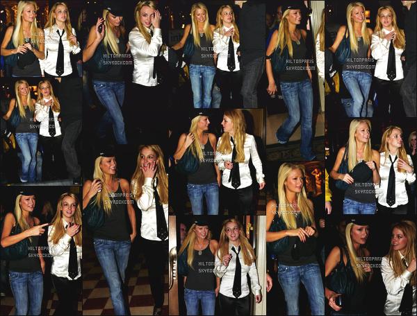 --------  19/11/06  :    Notre princesse Paris Hilton photographiée quittant la boite de nuit   « TAO »  - dans Las Vegas.   Elle est accompagnée de son amie Britney Spears. Petit top pour la tenue je trouve cette tenue tres simple mais elle est  belle. Top/Flop?--------