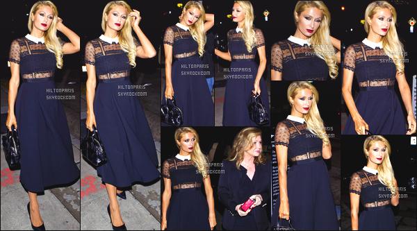 ------- 22/12/16:  Notre sublime Paris Hilton photographiée quittant le restaurant  Craig's   dans la soirée -  Los Angeles. Petit top pour cette robe classe, je ne suis pas trop fan de son maquillage assez sombre mais elle reste quand même sublime. Top/Flop?     -------