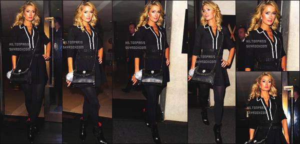 ------- 23/01/17: La princesse Paris Hilton photographiée quittant son hôtel souriante   Mayfair dans la soirée - Londres. J'adore beaucoup trop la tenue, sur mlle Paris Hilton est trop belle, je suis fan de la tenue, top pour le haut large. gros flop pour le sac.  -------