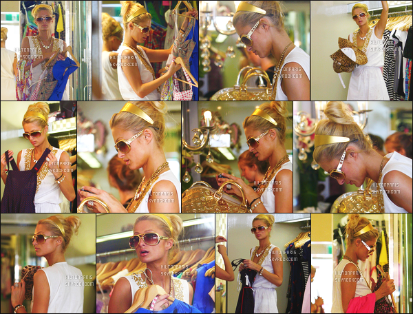 --------  31/12/06  :    La sublime Paris Hilton photographiée entrain de faire du shopping dans la journée - à  Sydney.   Paris  été accompagnée de Kim Kardashian. Paris est  jolie dans la tenue assez simple. J'adore ses cheveux tiré avec le serre tête. Top/Flop?--------
