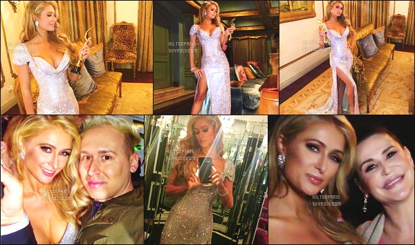 ------- 19/02/17: La jolie  Paris Hilton  photographiée  à la cérémonie des  Beauty Awards  dans la soirée - à Los Angeles.  Son parfum Gold Rush de Paris Hilton a été reconnu comme le parfum de l'année. Bravo à elle. Elle est tellement  sublime, j'adore la robe.  -------