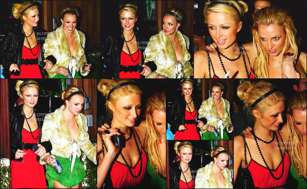 ------- 26/11/06 : La sublime Paris Hilton photographiée quittant la boite de nuit   Hype tard dans la nuit  -   Los Angeles. Paris Hilton est accompagnée de la chanteuse Britney Spears, elles semblent s'etre amusé comme des folles, petit top pour la tenue de Paris.  -------