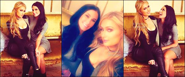 """--------------------------------------  """"""""RESEAUX SOCIAUX"""""""" Découvrez les dernières photos de mlle Paris toujours  actif sur Instagram ou Snapchat. Mars 2017 - Paris Hilton est  sublime sur ses snaps tout simple, elle été accompagnée de Brittany Furlan qui a fait une video avec Paris. --------------------------------------"""
