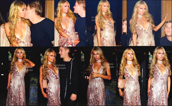 ------- 16/03/17: Magnifique  Paris Hilton photographiée  à l'ouverture de    Luchini La Grand dans la soirée -   Los Angeles. Elle est accompagnée de son petit ami Chris. J'aime beaucoup cette tenue on dirait  une princesse notre belle Paris. Elle est assez sublime.  -------