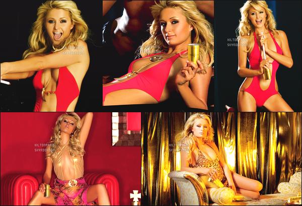 --------   • • Découvrez la jolie Paris Hilton en shoot pour le magazine « Christian B » - 2006  Paris Hilton est top dans se shoot, j'aime trop se shoot elle est tellement magnifique. Gros top.  J'adore beaucoup les tenues qu'elle porte.  --------
