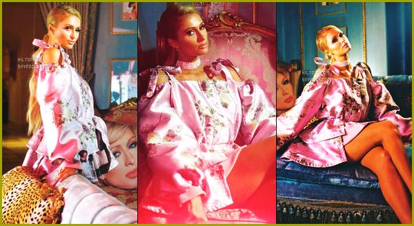 ----------- • • Découvrez notre magnifique Paris Hilton en shooting pour W Magazine   - Mai 2017.    J'adore beaucoup toutes les tenues qu'elle porte. Certaines tenues sont de la collection Puma x Fenty. Traduction de l'article faite par moi.  -----------