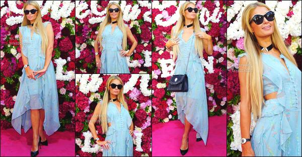 ------- 24/05/17:  Notre sublime Paris Hilton photographiée au grand événement  Philipp Plein à   Cannes dans la journée.  Je lui accorde un gros top pour Paris, j'adore assez. Elle est  merveilleuse.  J'aime beaucoup cette couleur bleue claire sur elle, gros top. -------