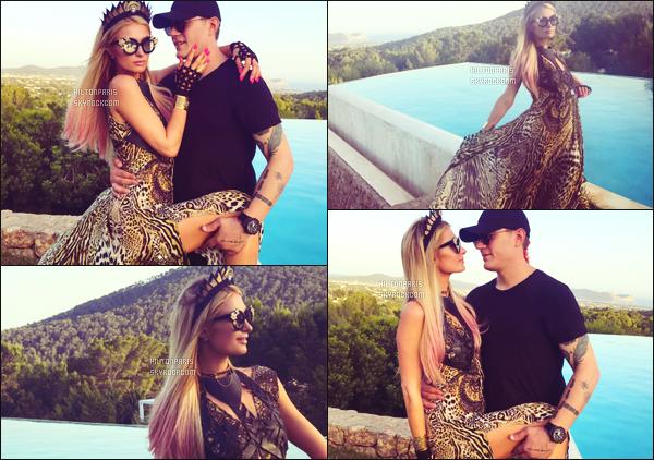 """--------------------------------------  """"""""RESEAUX SOCIAUX"""""""" Découvrez les dernières photos de mlle Paris toujours  actif sur Instagram ou Snapchat. Juillet 2017 -  Des photos de notre princesse Paris Hilton avec son amoureux Chris dans sa villa à Ibiza. Ils sont trop beaux ensemble. --------------------------------------"""