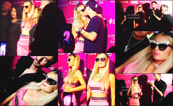 ------- 09/07/16: La princesse  Paris Hilton  photographiée   entrain de mixer à sa soirée de  Foam And Diamond   -  à Ibiza.   J'aime beaucoup sa tenue rose. Cela lui va tres bien,  gros top je lui accorde. J'adore trop aussi ses longs cheveux lisse. Elle est parfaite.    -------