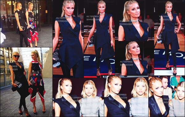 ------- 08/09/17:  La princesse Paris Hilton  photographiée assistant à la grande  Fashion Week de Monse - à New York.  Elle est accompagnée de sa petite s½ur Nicky. Je lui accorde un gros top, j'adore assez le fait de la voir en pantalon. Top pour la coiffure. -------