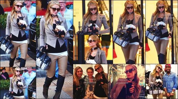------- 12/11/17: La princesse Paris Hilton photographiée entrain de faire du shopping dans la journée -   à Los Angeles. Gros top pour cette  tenue, j'aime tellement cette tenue. Je suis trop fan de cette veste aussi cela va bien à la robe rouge de miss  Paris.  -------