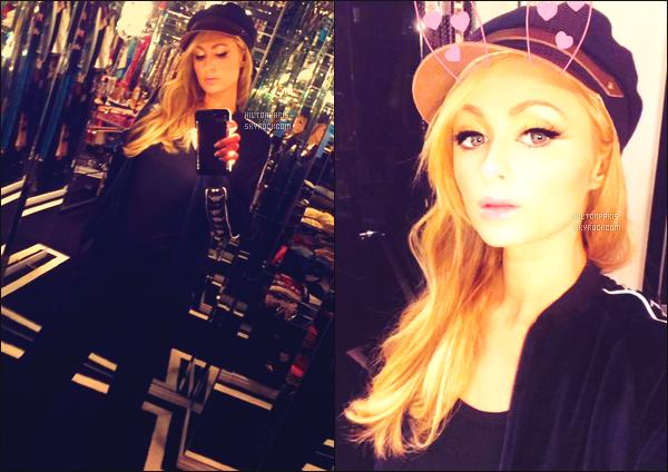 """--------------------------------------  """"""""RESEAUX SOCIAUX"""""""" Découvrez les dernières photos de mlle Paris toujours  actif sur Instagram ou Snapchat. Novembre 2017 -   Des photos de  Paris   chez elle, elle est toute simple, j'adore beaucoup ses longs cheveux blond. Elle est  mignonne. --------------------------------------"""