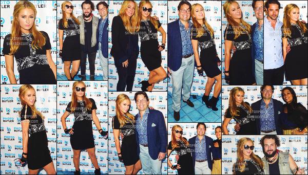 ------- 08/12/17: La merveilleuse  Paris Hilton   photographiée assistant à la grande soirée de « Art Basel »  dans Miami.  J'aime assez la tenue courte,  cela c'est tout à fait son style et cela lui va  bien.  Gros top   pour ses cheveux bouclés laché, j'aime beaucoup.   -------