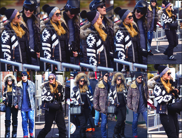 ------- 30/12/17: Notre merveilleuse  Paris Hilton   photographiée dans la grande station de ski dans la journée - Aspen.  Bon c'est une tenue simple petite combinaison de ski qui lui va vraiment bien. J'adore beaucoup, j'aime ses lunettes de soleil. Petit top. -------