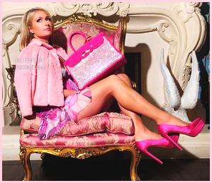 853311288f Paris Hilton a ete interviewer pendant qu'elle coutume son nouveau sac à  main. Il y a beaucoup de gens que je suis totalement intrigués et que  j'aimerais ...