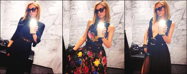 """--------------------------------------  """"""""RESEAUX SOCIAUX"""""""" Découvrez les dernières photos de mlle Paris toujours  actif sur Instagram ou Snapchat.  Avril 2018 -     Photos de la princesse Paris entrain d'essayer des nouvelles robes. J'aime assez toutes ses photos simples,  elle est  sublime. --------------------------------------"""
