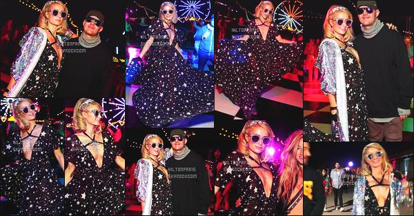 ------- 13/04/18: Notre sublime Paris Hilton  assistant 'avec Chris au grand festival 'de musique Coachella - Californie. J'aime beaucoup la premiére tenue du festival. Elle est toute etoiléé et j'aime beaucoup ses lunettes de soleil, elle est superbe. Gros top. -------