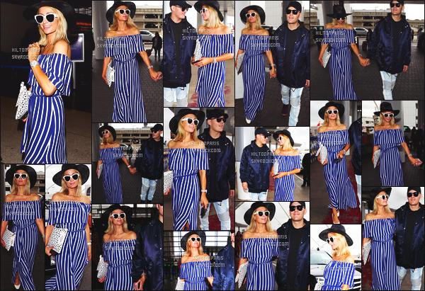 ------- 13/05/18:  Miss Paris Hilton  photographiée arrivant à l'aéroport de LAX avec Chris dans la journée - Los Angeles. J'aime  assez la tenue assez simple.  Je lui accorde un gros top. Ils sont tellement adorable les deux amoureux. J'adore ses cheveux court. -------