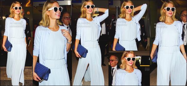 ------- 20/05/18: Notre merveilleuse  Paris Hilton   photographiée dans la journée vue à l'aéroport de LAX à Los Angeles.  Je lui accorde un petit top pour cette tenue. J'aime vraiment cette couleur bleue claire qui lui va à ravie. J'adore assez ses cheveux court.   -------