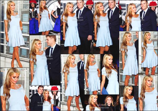 ------- 26/05/18:  Paris avec Chris photographiés  assistant dans la journée à l'événement de  Gaggenau's -   Los Angeles.  Je lui accorde un gros top pour la longue robe. Je suis hyper fan de cette couleur bleue  sur Paris Hilton. Elle est vraiment  merveilleuse. -------