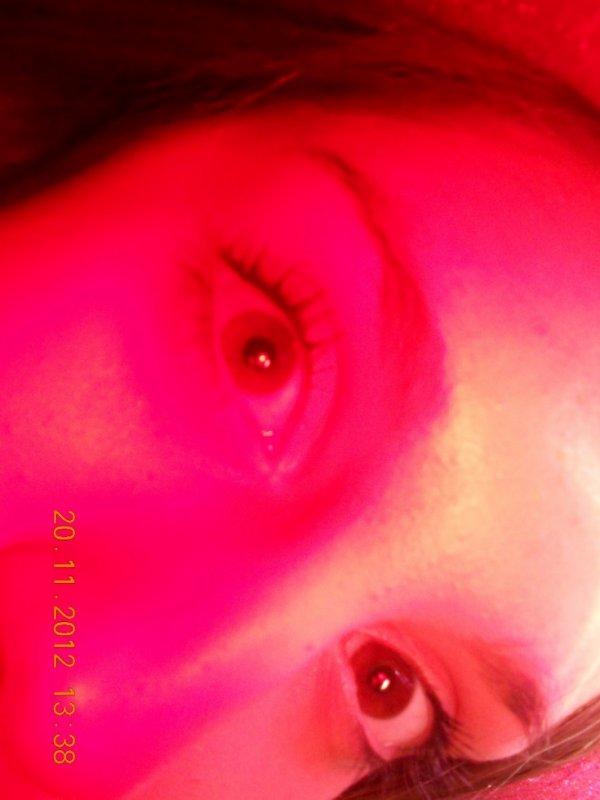 les yeux rouge trop beau