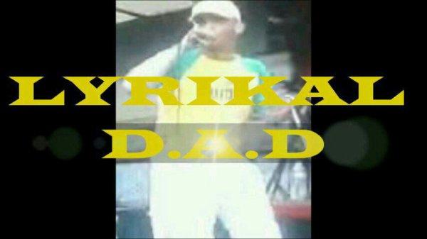 "Regardez ""LYRIKAL DAD / Ta vie"" sur YouTube"